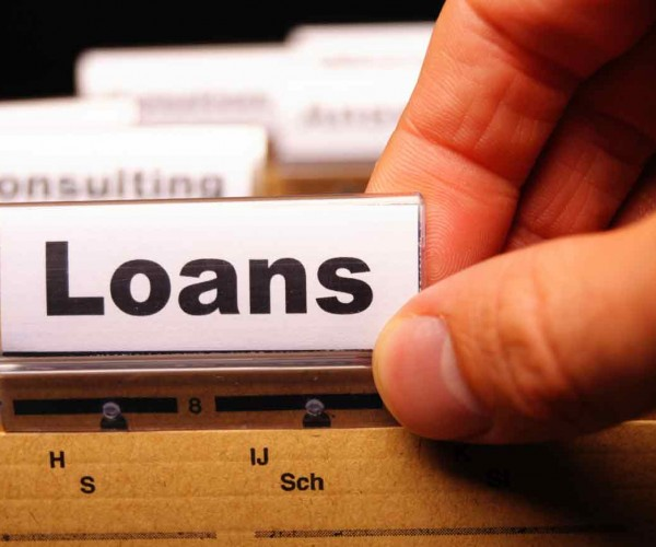 5 Critical Factors to Consider Before Choosing a Payday Loan Lender