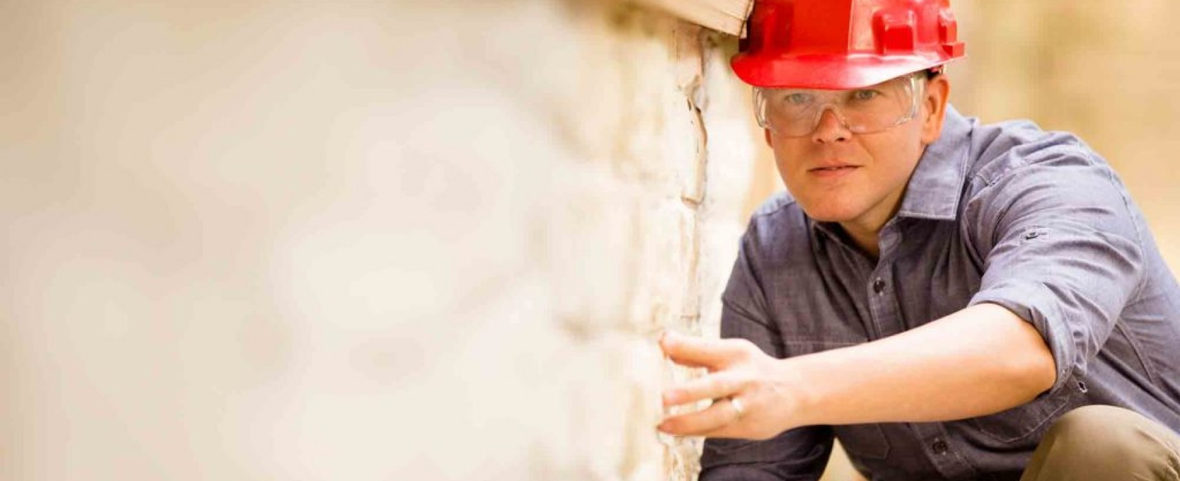 Scrutinizing Real Estate Listings and Hiring a Trustworthy Home Inspector